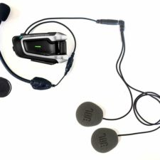 Rider Review: Cardo's Packtalk Bold Communication System featuring Sound by JBL